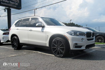 BMW X5 with 22in Vossen HF-1 Wheels