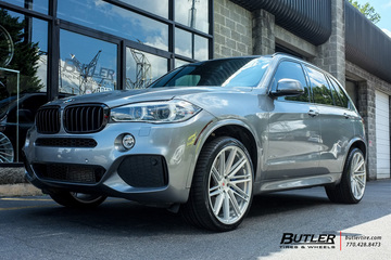 BMW X5 with 22in Vossen VPS-307T Wheels