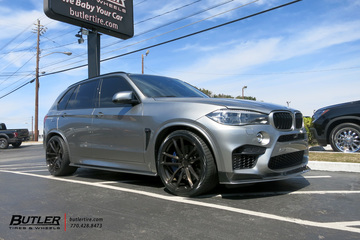 BMW X5M with 22in Avant Garde F331 Wheels