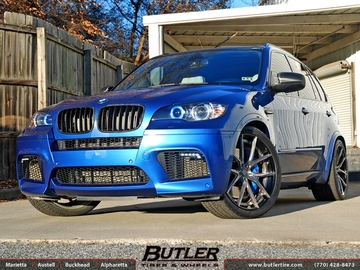 BMW X5M with 22in Lexani LZ-102 Wheels