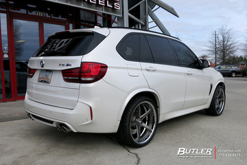 BMW X5M with 22in Savini SV44 Wheels