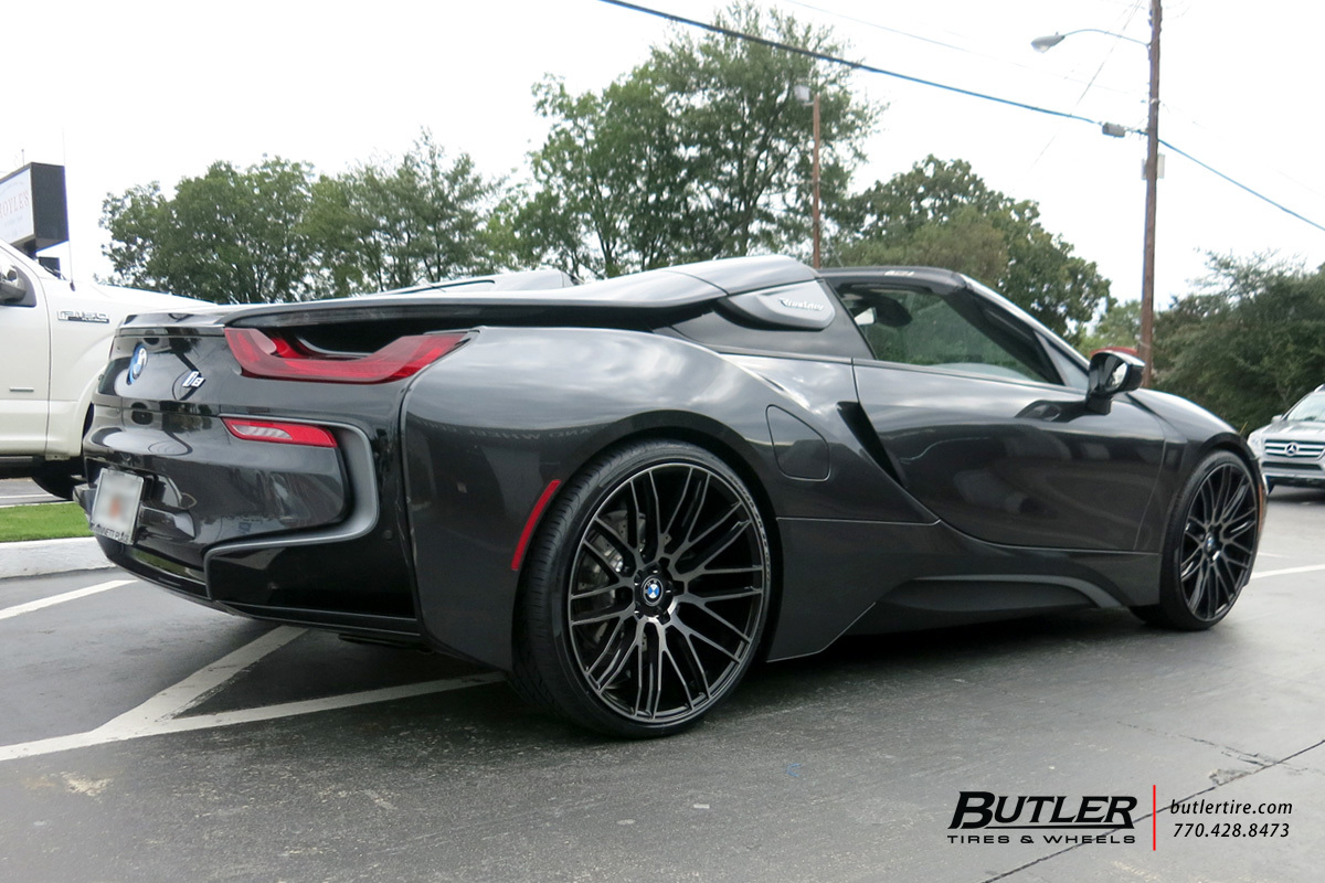 BMW i8 Roadster with 22in Savini BM13 Wheels
