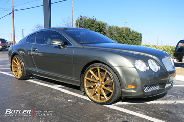 Bentley Continental GT with 22in Vossen CVT Wheels