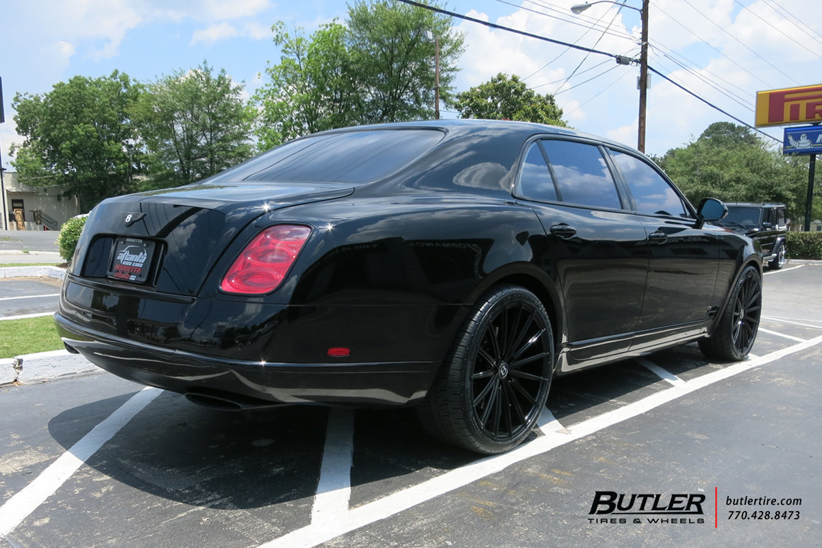 Bentley Mulsanne with 22in Lexani Pegasus Wheels