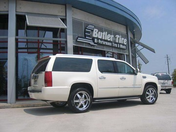 Cadillac Escalade with 22in Driv Moonshine Wheels