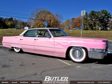 Cadillac Fleetwood with 15in Factory Wheels