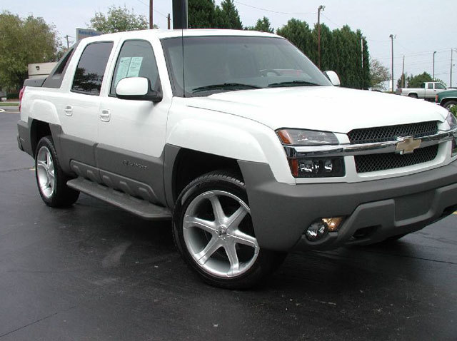 Chevrolet Avalanche with 23in Antera 301 Wheels