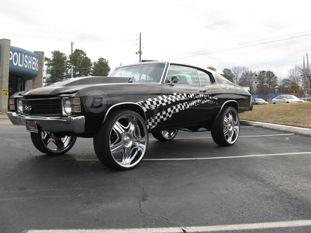 Chevrolet Chevelle with 26in Akuza Sting Wheels