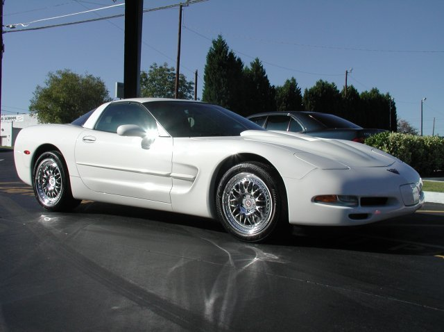 Chevrolet Corvette with 18in HRE 540 Wheels