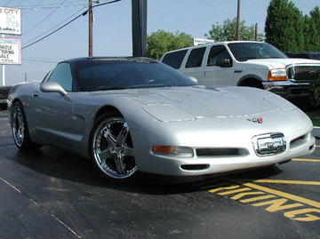 Chevrolet Corvette with 20in Lowenhart LD5 Wheels