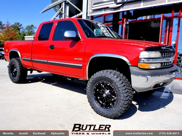 Chevrolet Silverado With 18in Fuel Hostage Wheels