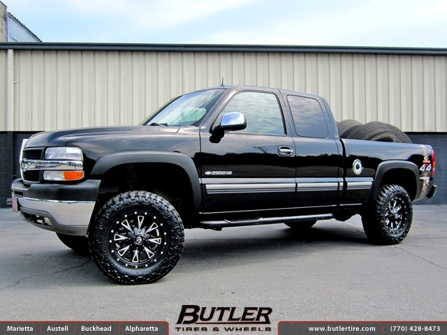 Chevrolet Silverado with 18in Fuel Throttle Wheels
