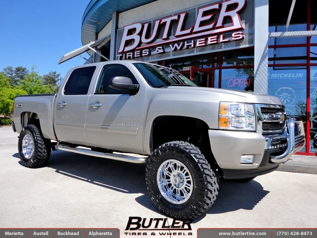 Chevrolet Silverado with 18in XD Hoss Wheels