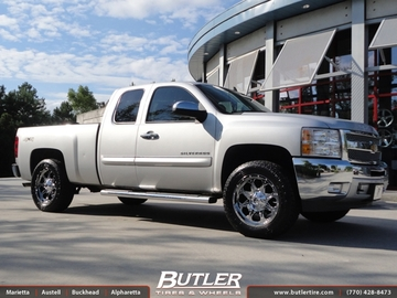 Chevrolet Silverado with 20in Fuel Boost Wheels