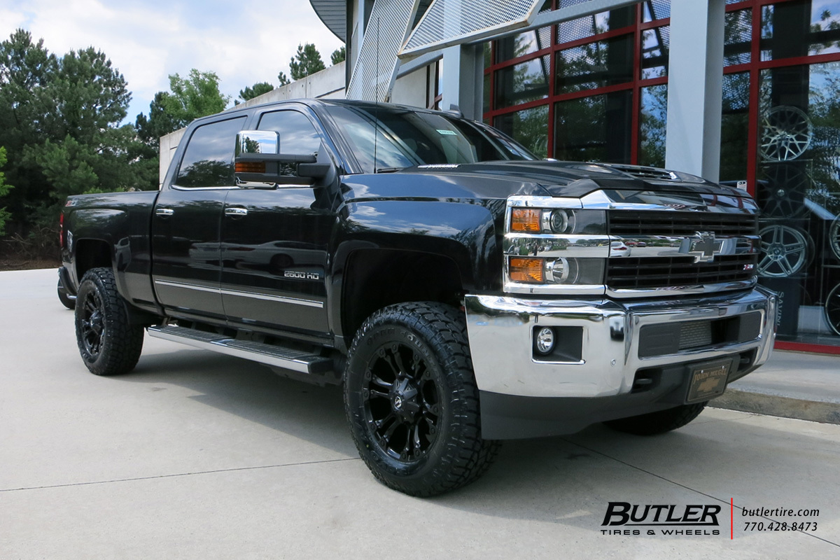 Chevrolet Silverado with 20in Fuel Vapor Wheels