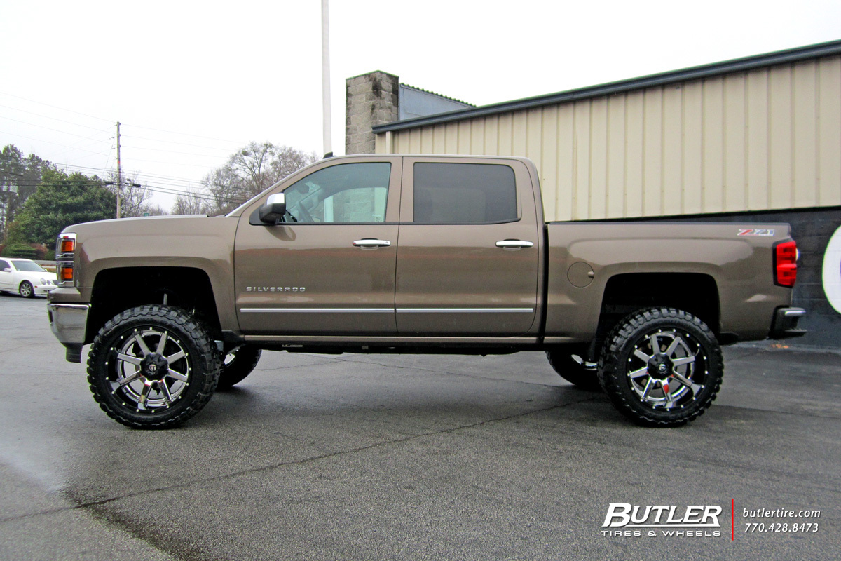 Chevrolet Silverado with 22in Fuel Maverick Wheels