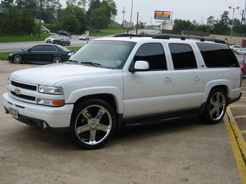 Chevrolet Suburban with 23in Antera 325 Wheels