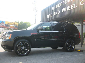 Chevrolet Tahoe with 22in Antera 361 Wheels