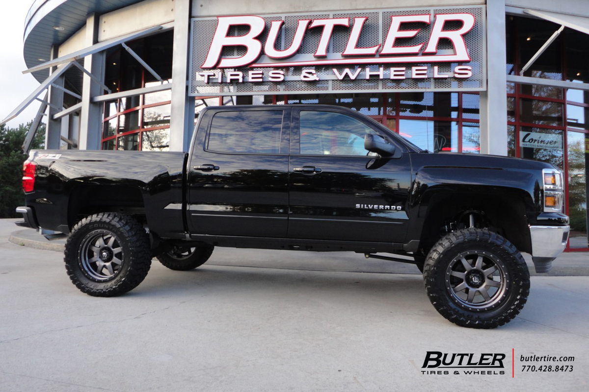 Chevy Silverado with 20in Fuel Trophy Wheels