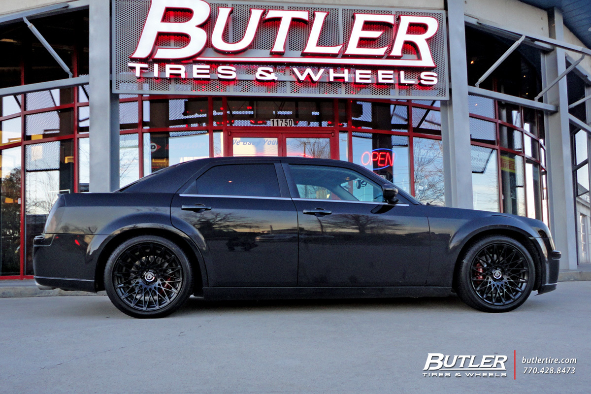 Chrysler 300 with 20in Lexani CSS16 Wheels