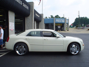 Chrysler 300C with 22in Driv Don Wheels