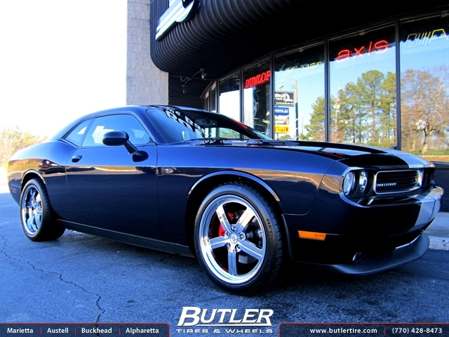 Dodge Challenger with 20in Huntington Bolsa Wheels