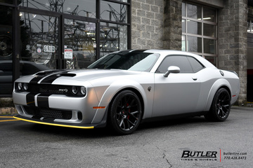 Dodge Challenger with 20in Vossen CG-204 Wheels