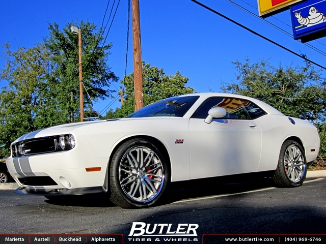 Dodge Challenger with 22in Lexani CVX 44 Wheels