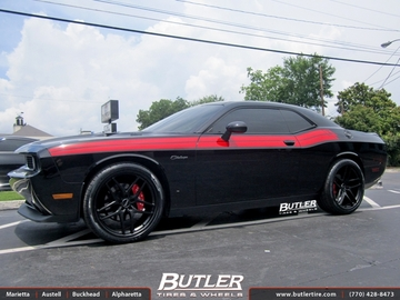 Dodge Challenger with 22in Savini BM7 Wheels