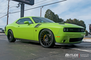 Dodge Challenger with 22in Vossen VPS-305T Wheels