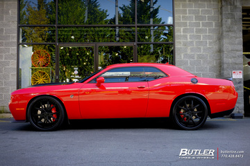 Dodge Challenger with 24in Lexani LF102 Wheels