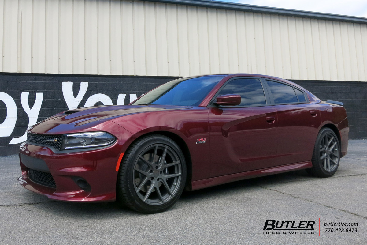 Dodge Charger with 20in Niche Geneva Wheels