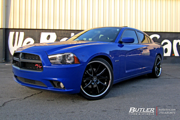 Dodge Charger with 22in Lexani R-Twelve Wheels