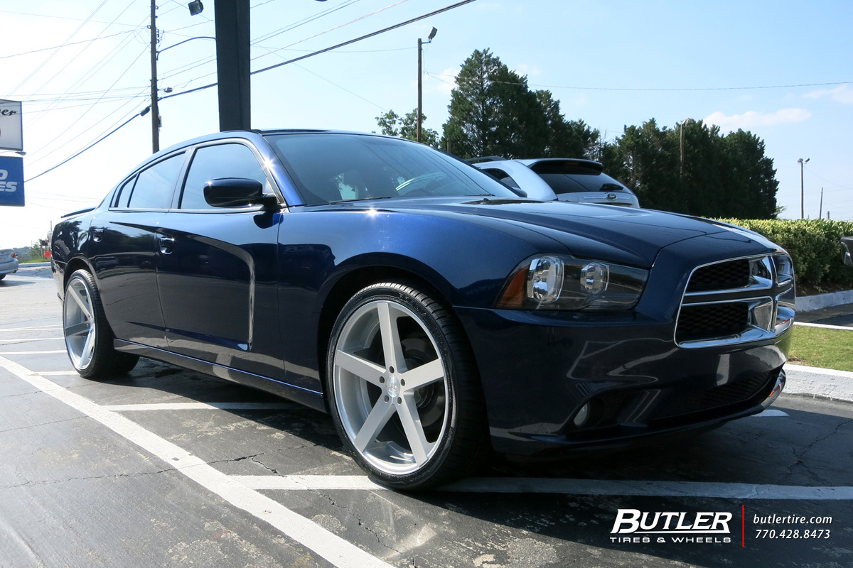 Dodge Charger With 22in Rohana Rc22 Wheels Exclusively