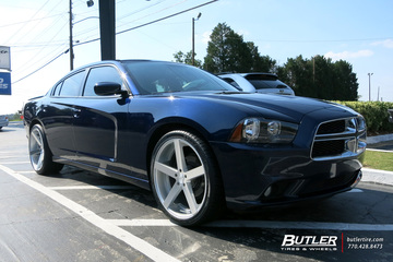 Dodge Charger with 22in Rohana RC22 Wheels