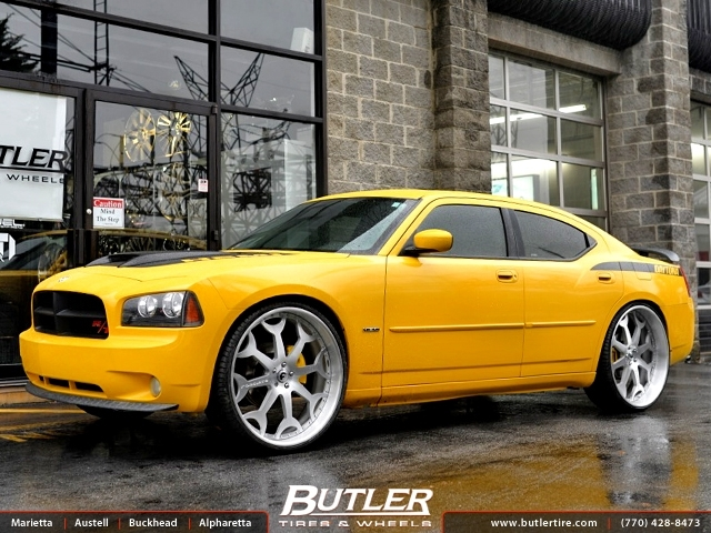 Dodge Charger with 26in Forgiato Capolavaro Wheels