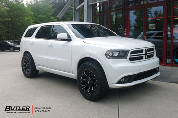 Dodge Durango with 20in Fuel Assault Wheels