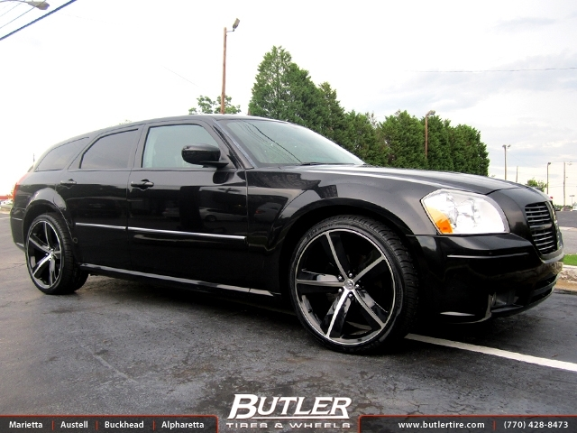Dodge magnum with 22in jr challenger wheels exclusively - Dodge magnum interior accessories ...