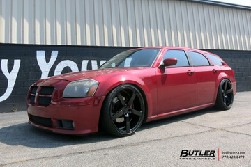 Dodge Magnum with 22in Vossen CV3-R Wheels