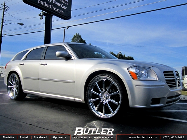 Dodge Magnum with 24in Lexani CVX 55 Wheels