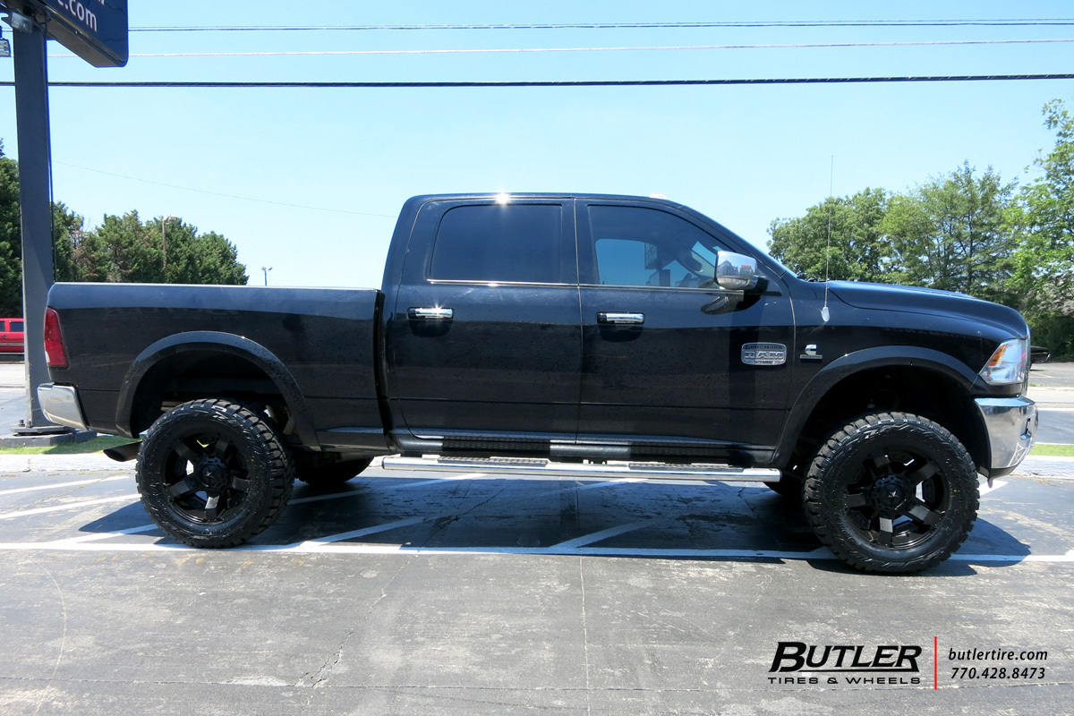Dodge Ram with 20in XD Rockstar II Wheels