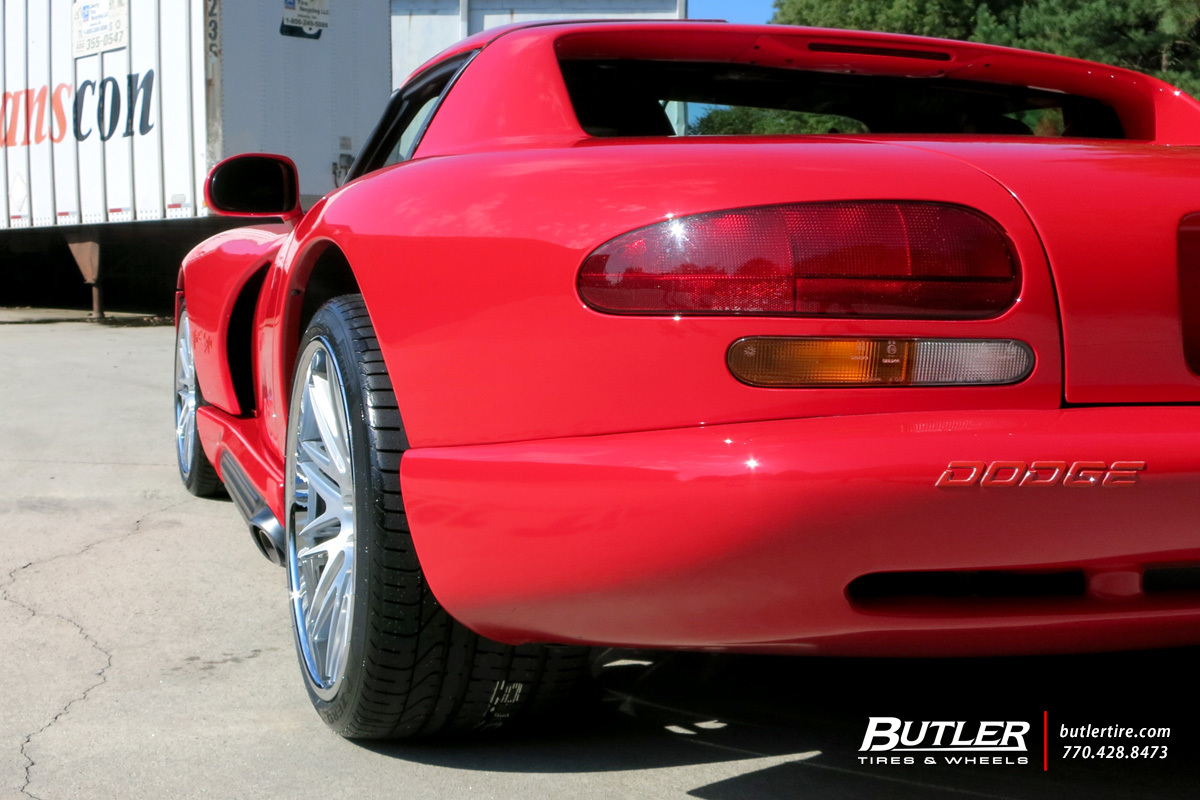Dodge Viper with 20in Avant Garde AGL10 Wheels