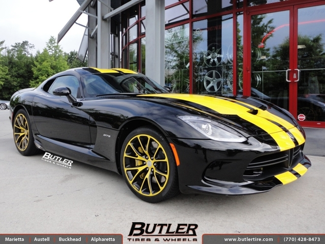 Dodge Viper with 20in Factory Wheels exclusively from
