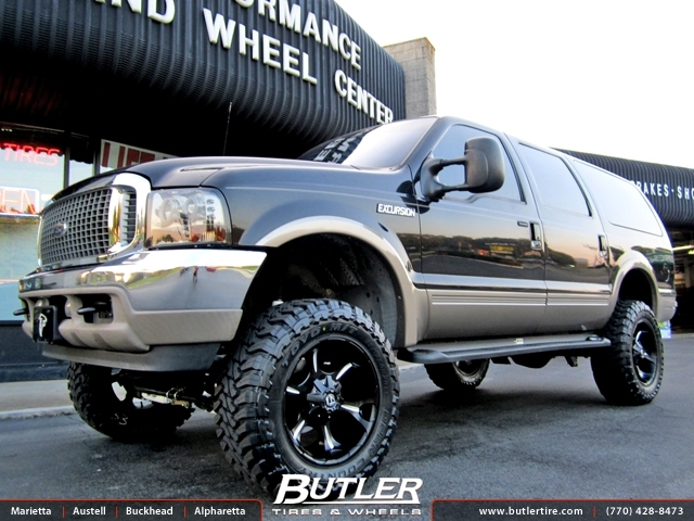 Ford Excursion with 20in Fuel Dune Wheels