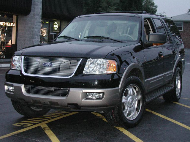 Ford Expedition with 20in Antera 323 Wheels