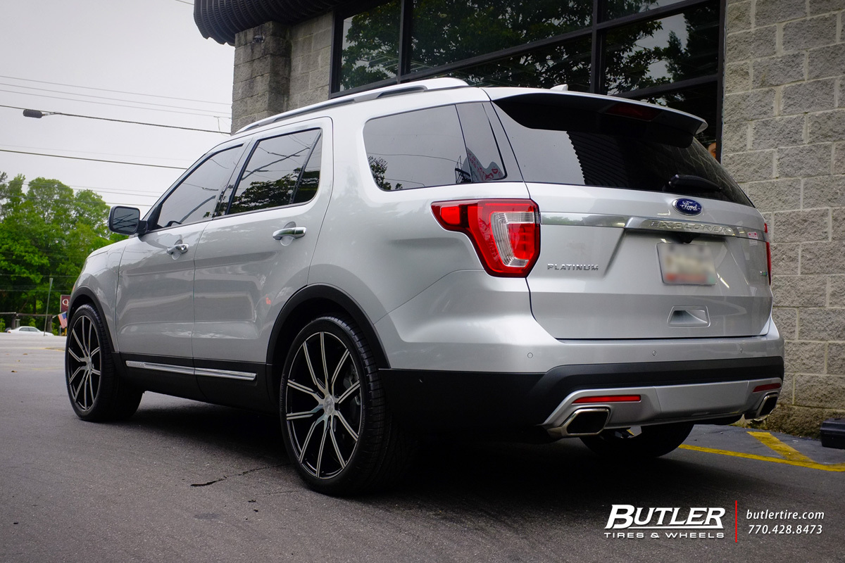 Ford Explorer with 22in Lexani Gravity Wheels