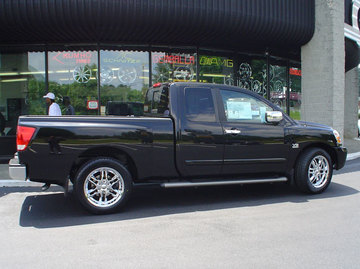 Ford F150 with 22in Akuza 381 Wheels