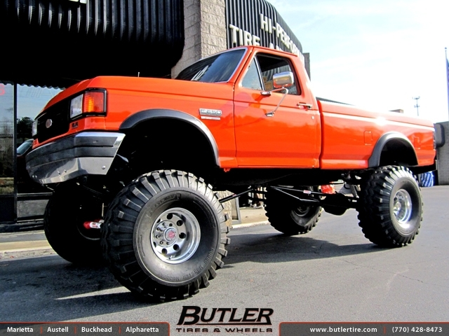 Ford F250 with 16in Mickey Thompson Classic Wheels