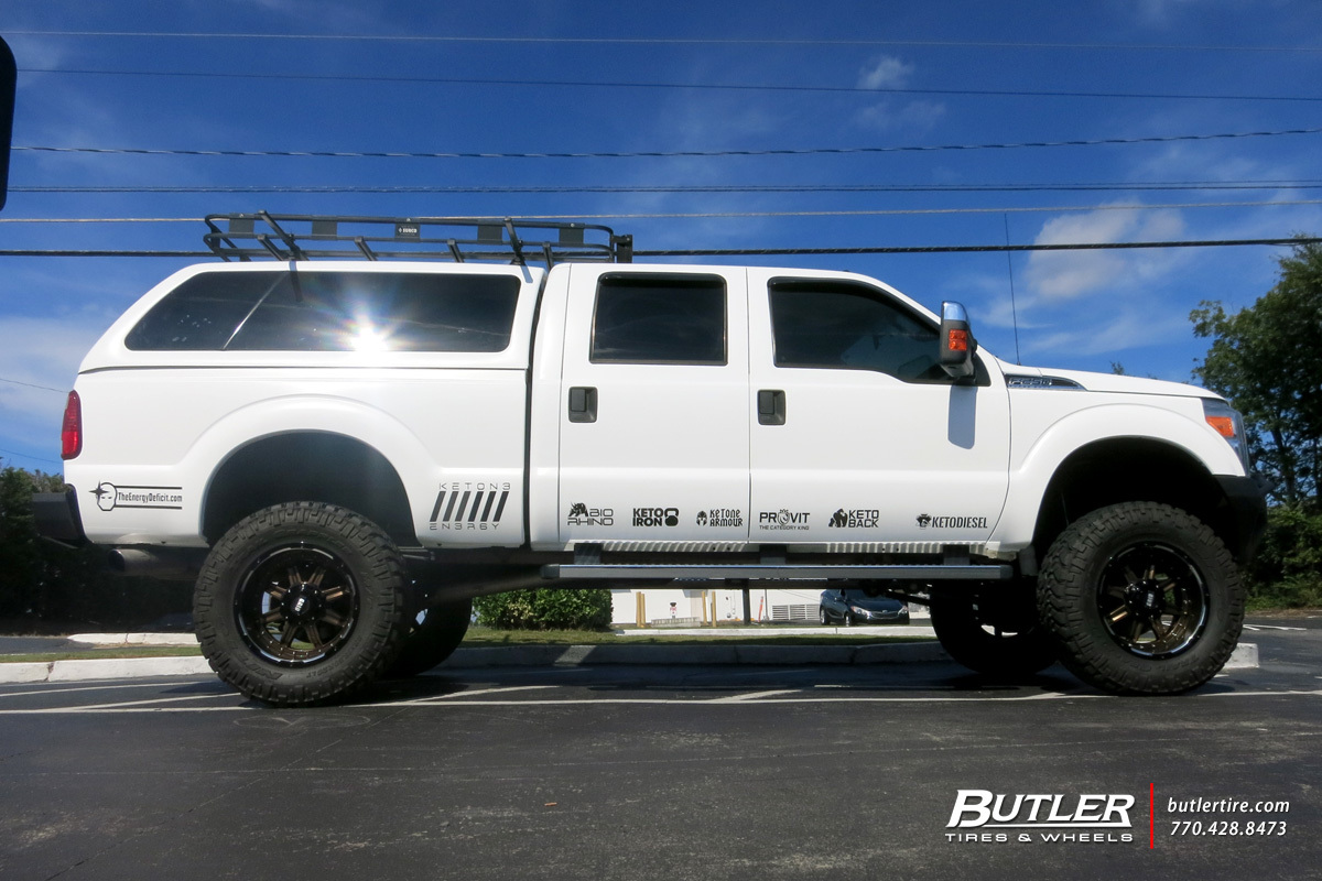 Ford F250 with 20in Grid Offroad GD10 Wheels