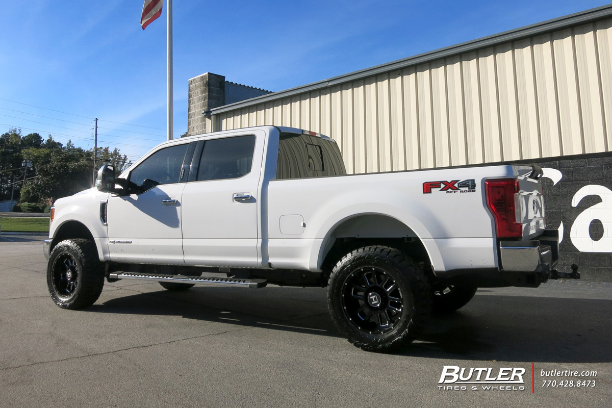 Ford F250 with 20in Hostile Gauntlet Wheels